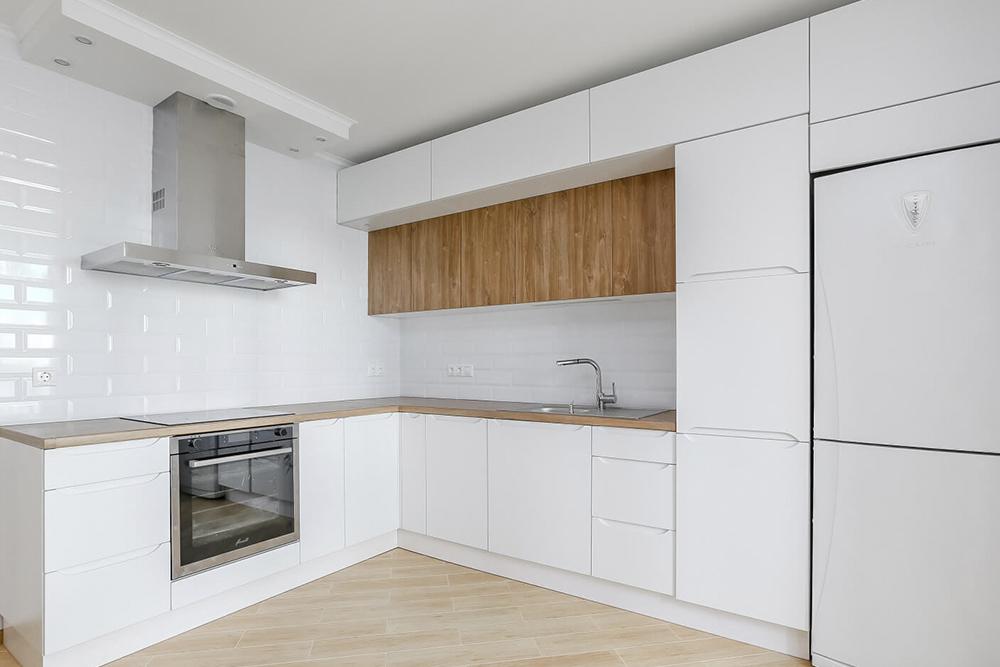 Бело деревяная кухня белая кухня с деревом фото 4, 4, Белая кухня из дерева Белая кухня из дерева на заказ