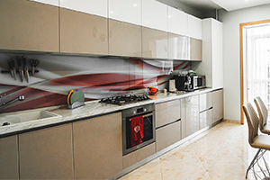 мебели iloft3, 3, Белая кухня с черным фартуком белая кухня с черным фартуком