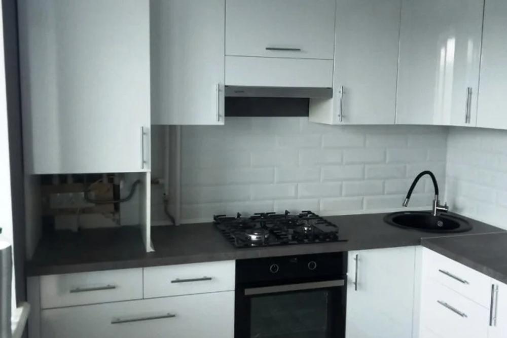 бела кухня в комуналку, хрущевку