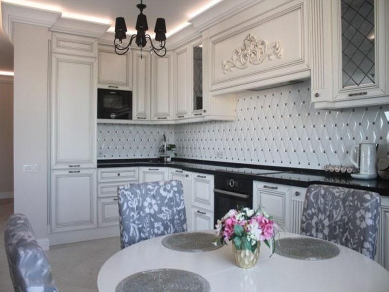 Дизайн белой кухни классика