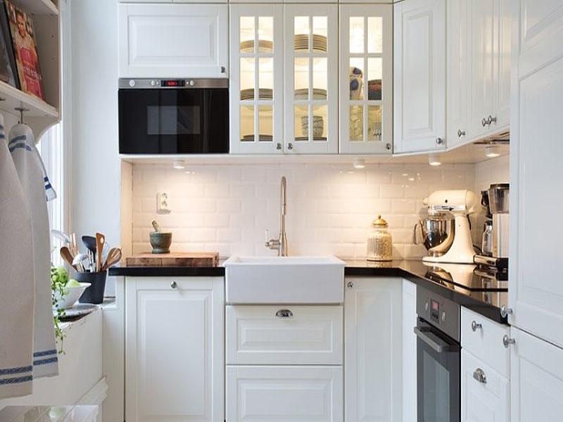 Классическая кухня белого цвета на заказ