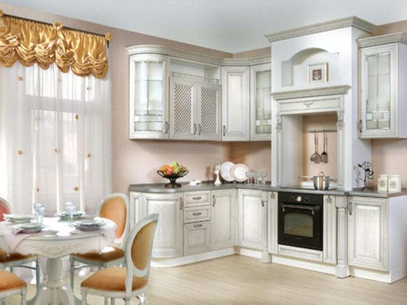 Кухня в белых тонах классическая