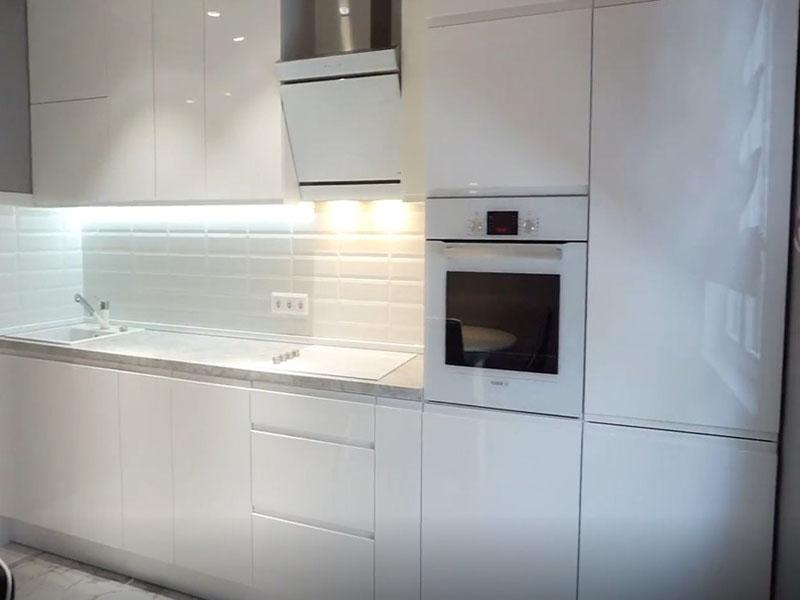 belaya glyancevaya kuhnya v interere, 8, Белая глянцевая кухня белая глянцевая кухня