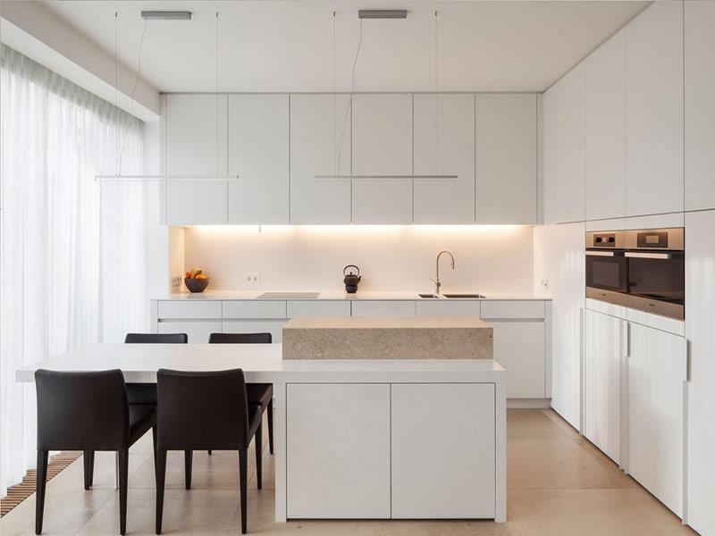 белая кухня минимализм на заказ