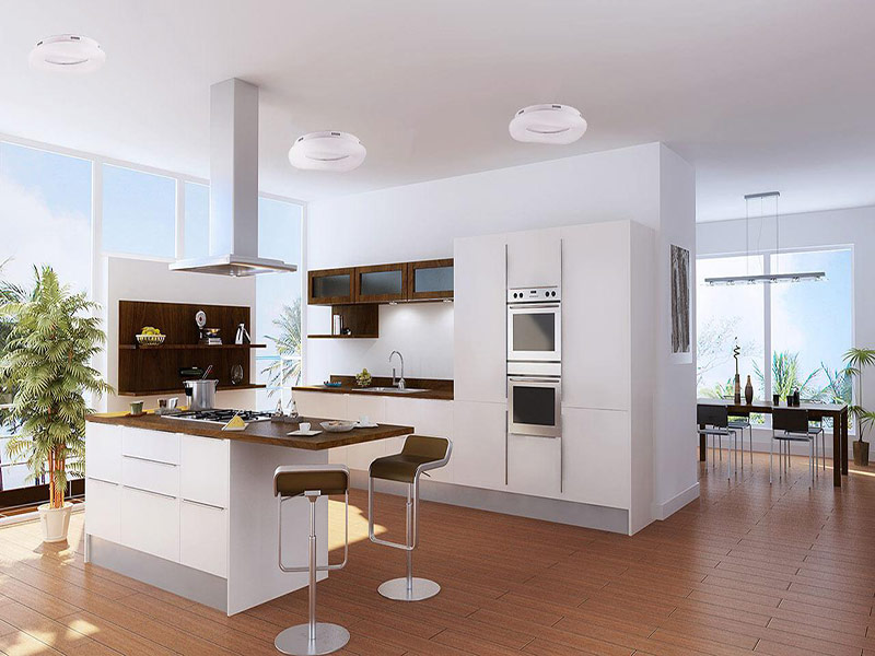 белая кухня модерн в интерьере