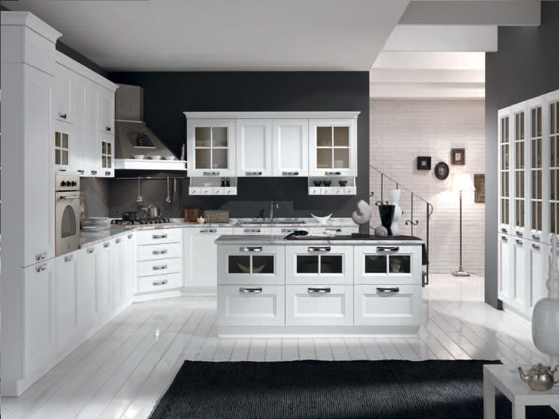 белая кухня с черными ручками на заказа