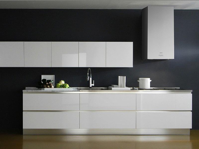 белая матовая кухня