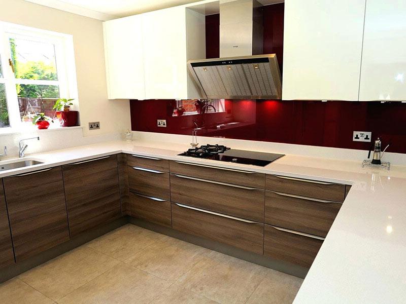 фото белой кухни с белой столешницей