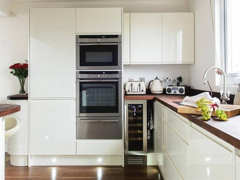 Кухня белая лофт под заказ