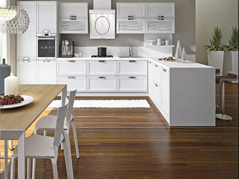 кухня белая модерн