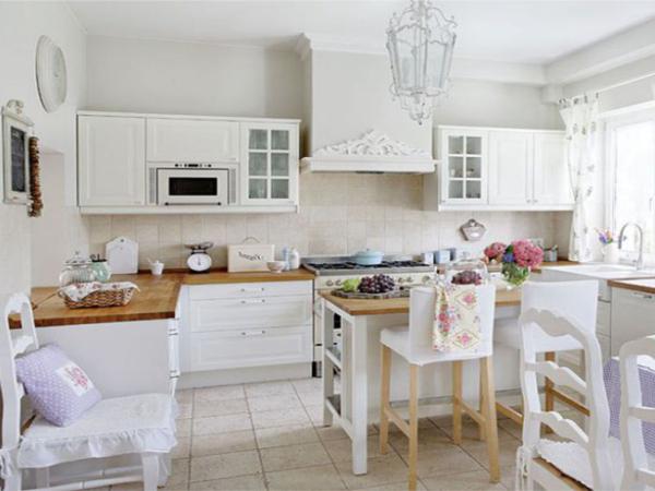 Кухня белая в стиле прованс