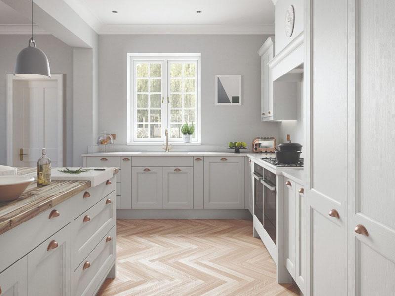 Кухня неоклассика белая в интерьере