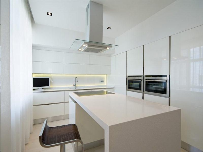 кухня в стиле минимализм в интерьере цена